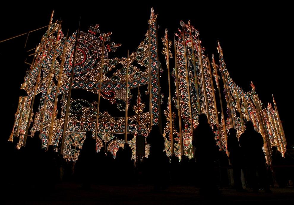 Фестиваль света «Кобе Люминари 2012» в городе Кобе, префектура Хёго, Япония. (Buddhika Weerasinghe/Getty Images)