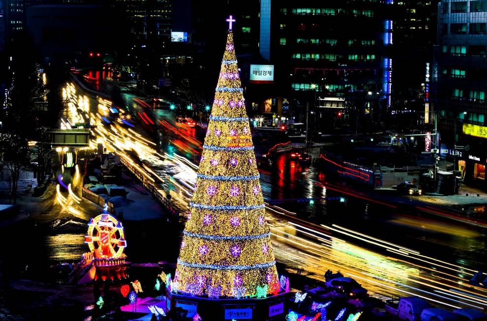 Рождественские ёлки со всего мира (12 фото)