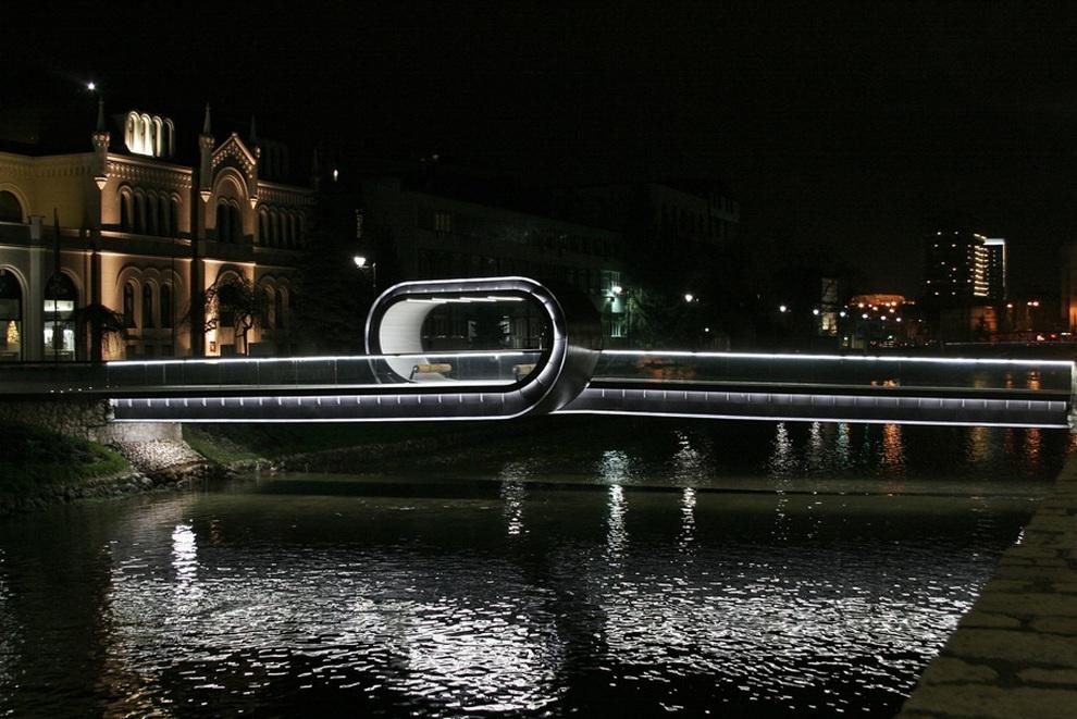 Festina lente — необычный мост в Сараево (6 фото)