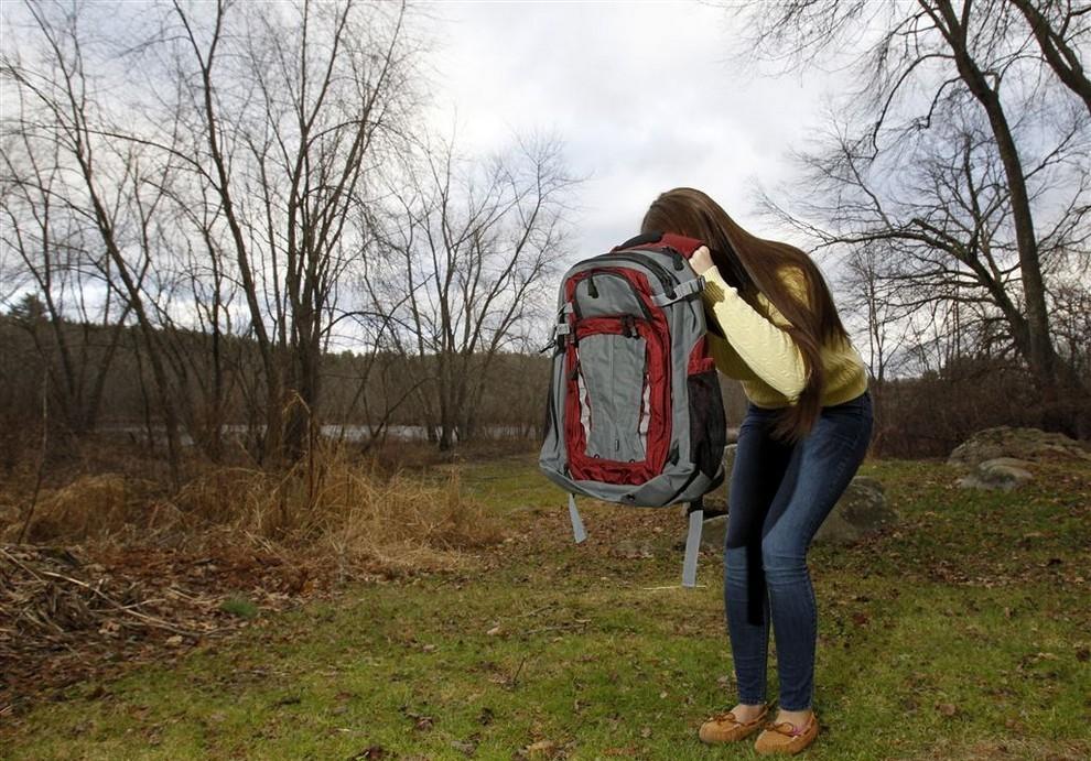 Американцы скупают пуленепробиваемые рюкзаки (3 фото)