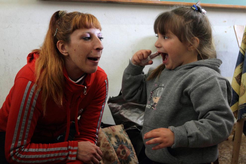 Истории матерей, воспитывающих детей в тюрьме (20 фото)