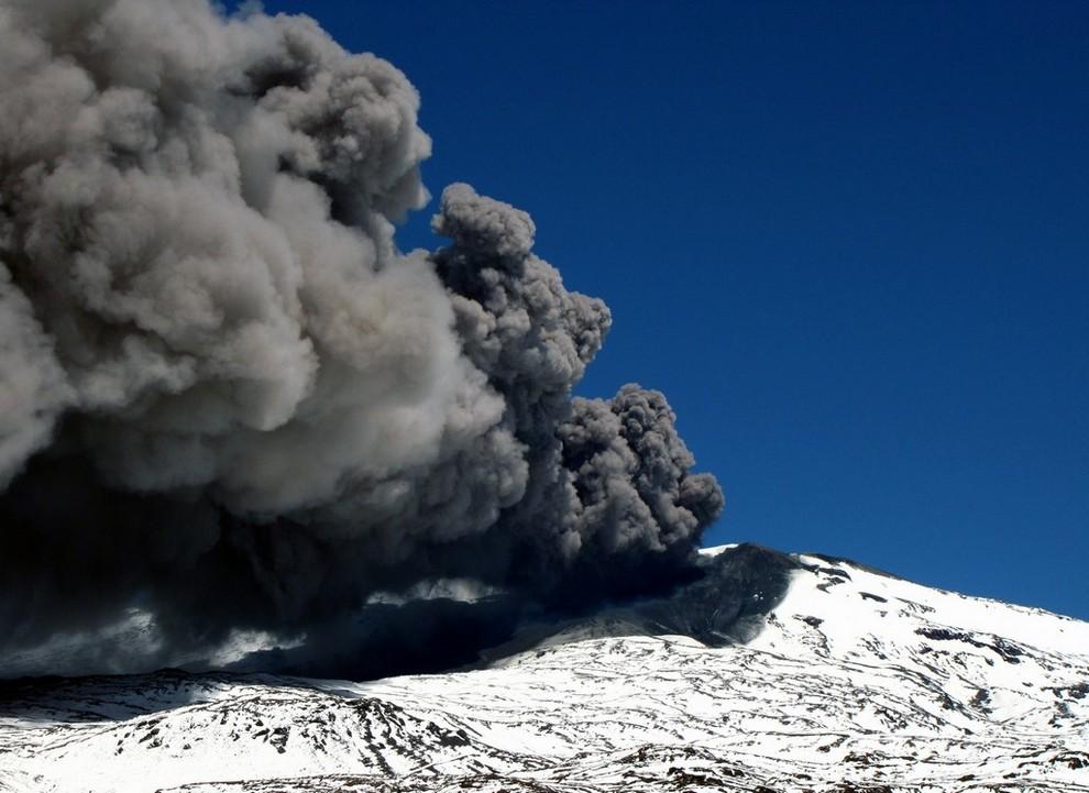 Пробуждение вулкана Копауэ (5 фото + видео)