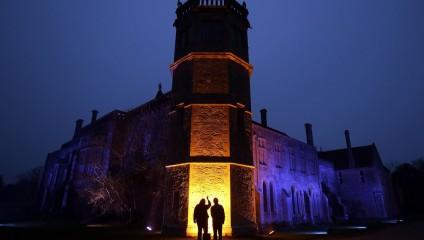 Аббатство из «Гарри Поттера» превратилось в световую выставку (10 фото)