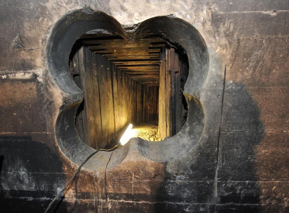 Ограбление по-берлински: Обчистили банк, вырыв 45-метровый тоннель (5 фото)