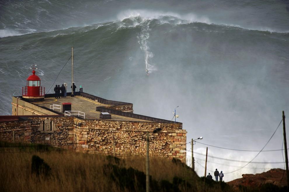 Гарретт Макнамара — повелитель самой высокой волны (10 фото + видео)