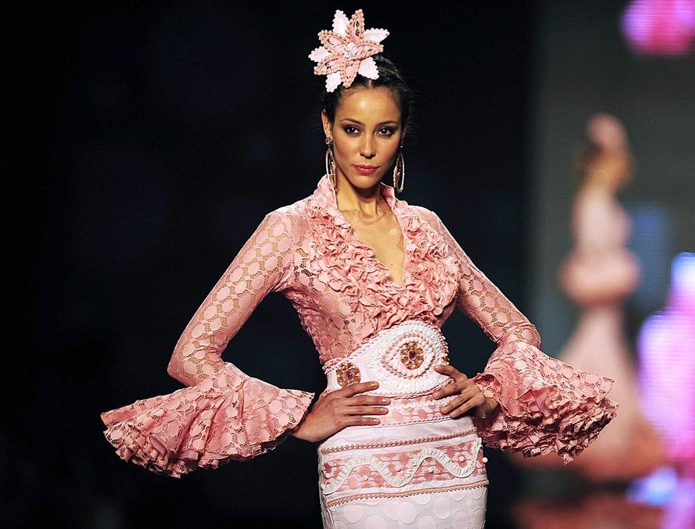 19-й Международный показ моды фламенко (16 фото)
