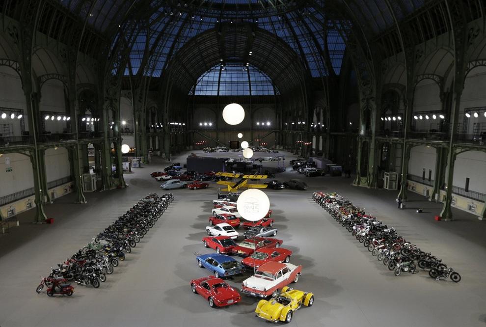 Выставка олдтаймеров в Большом дворце (8 фото)