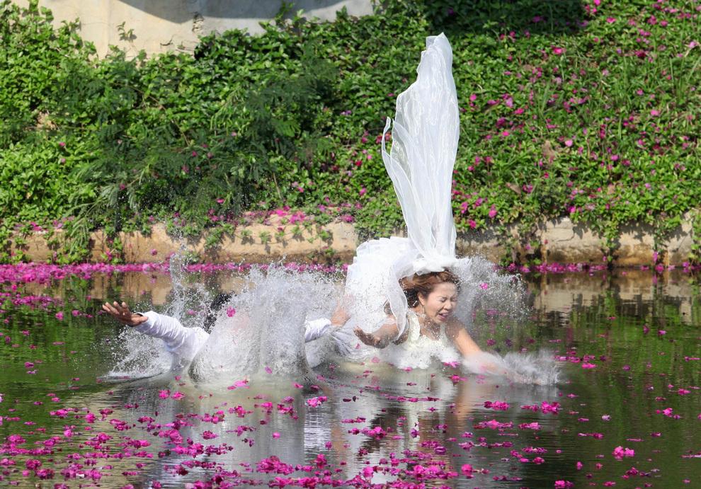 Свадебные церемонии с испытаниями (9 фото)
