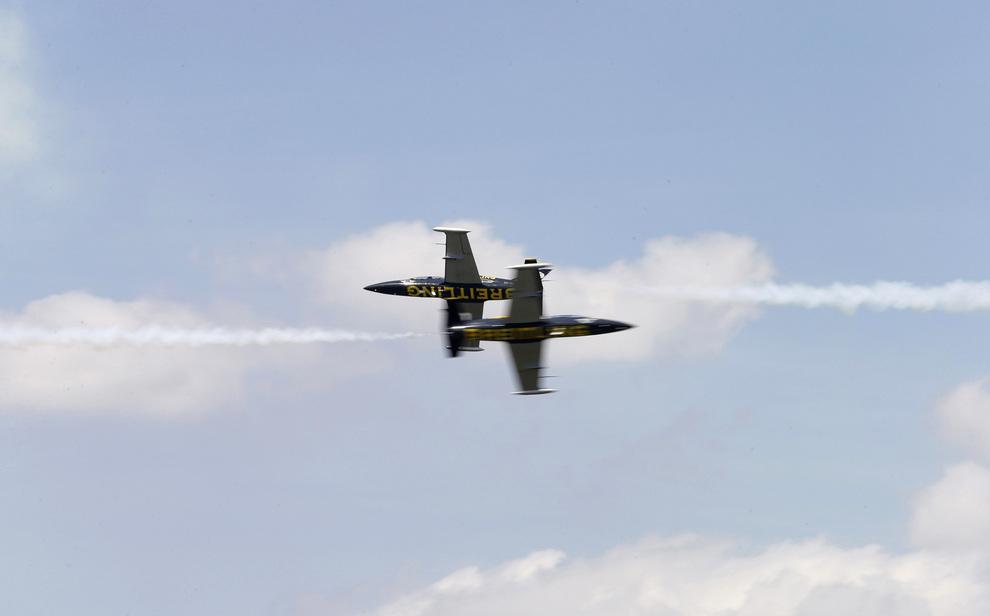 Дальневосточный тур пилотажной группы Breitling (12 фото + видео)