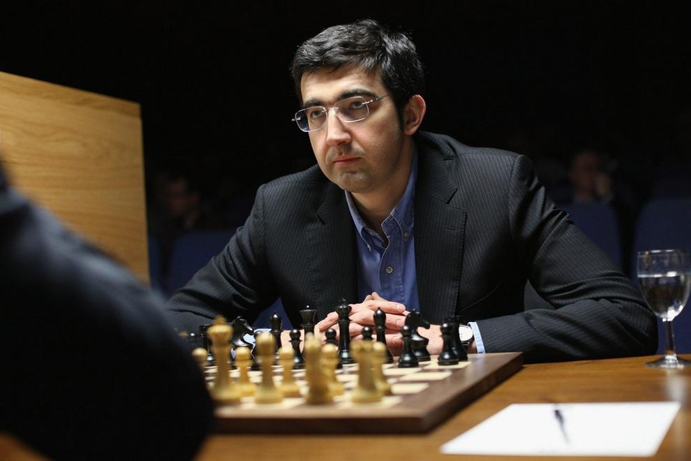 Борьба за шахматную «корону» (7 фото)