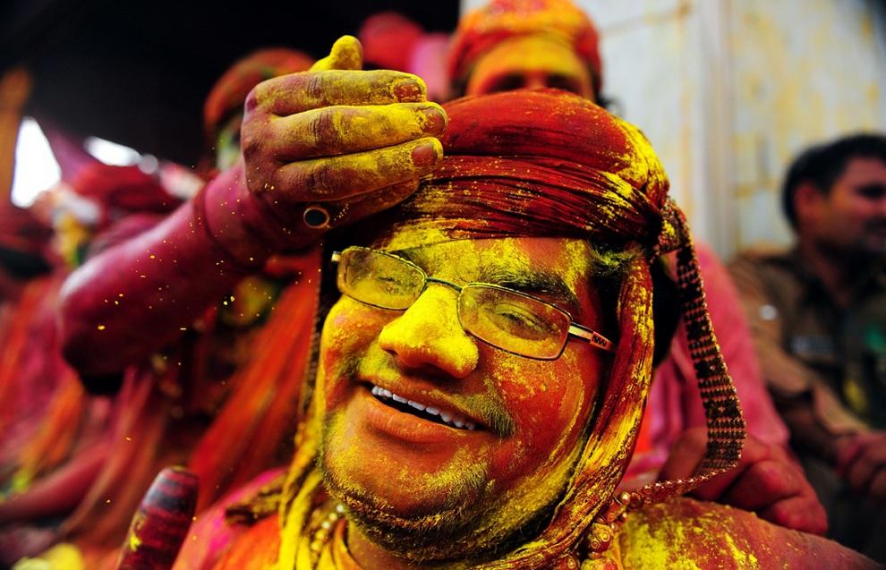 Фестиваль «Холи» в Уттар-Прадеше (23 фото)