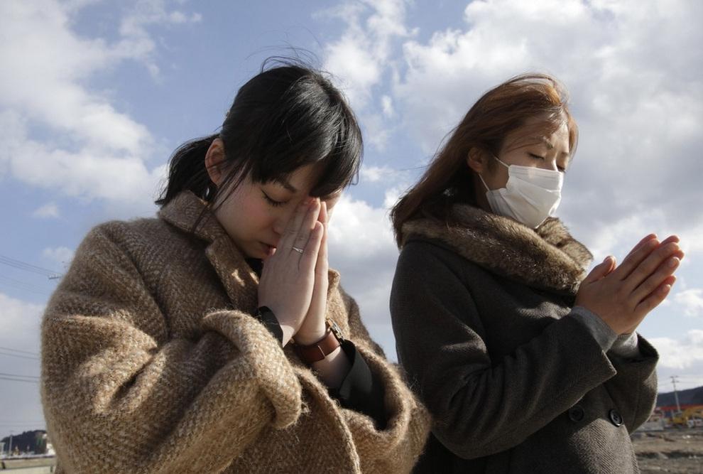 2-я годовщина землетрясения, цунами и радиационной аварии в Японии (20 фото)