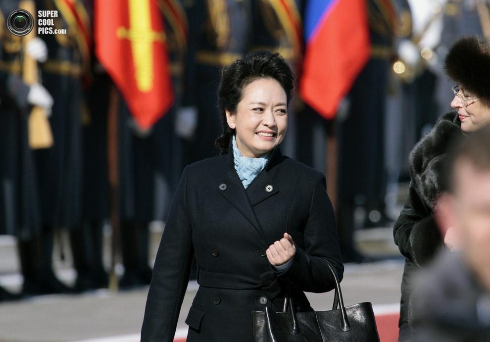 Первая леди Китая Пэн Лиюань во время дипломатического визита в Москву, Россия, 22 марта 2013 года. (AP Photo/Ivan Sekretarev)