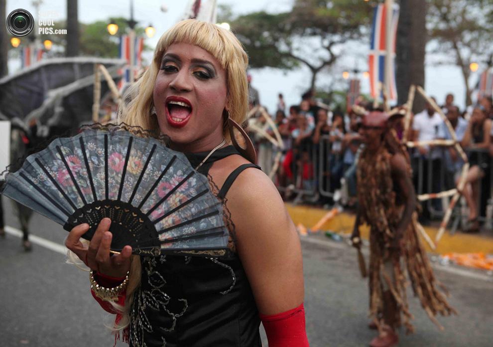 начали отказываться, фото карнавала трансов женщина кружевных