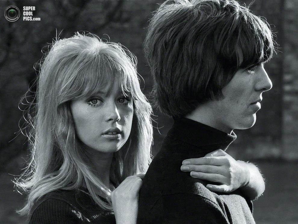 Джордж Харрисон со своей будущей женой, английской моделью Патти Бойд. В свое время они расстанутся, и Бойд выйдет замуж за Эрика Клептона. (Henry Grossman)