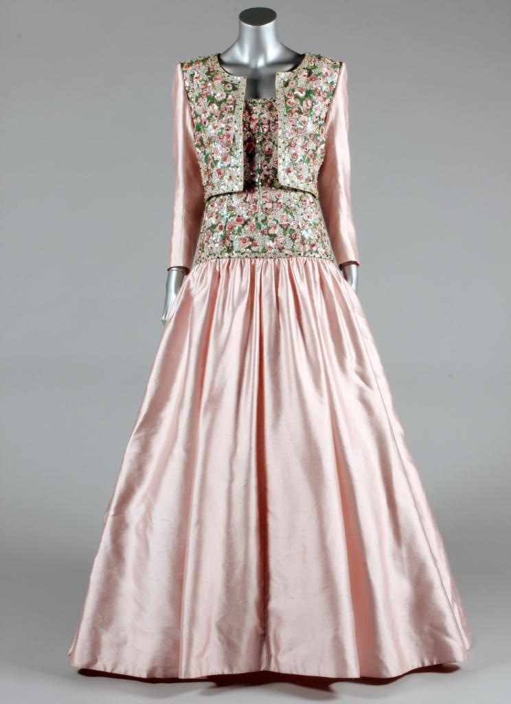 Платья принцессы Дианы выставлены на торги (15 фото)