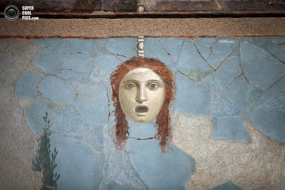 Элемент одной из больших фресок. (Peter MacDiarmid/Getty Images)