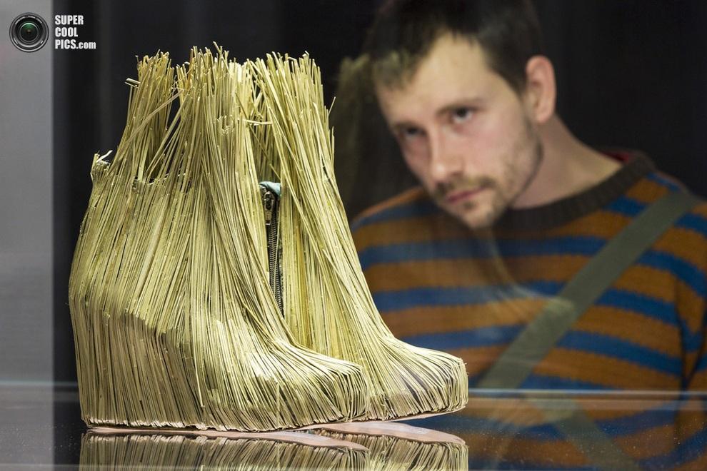 «Соломенная обувь» Табиты Гвин Ослер (Tabitha Gwyn Osler). (Joern Haufe/Getty Images)