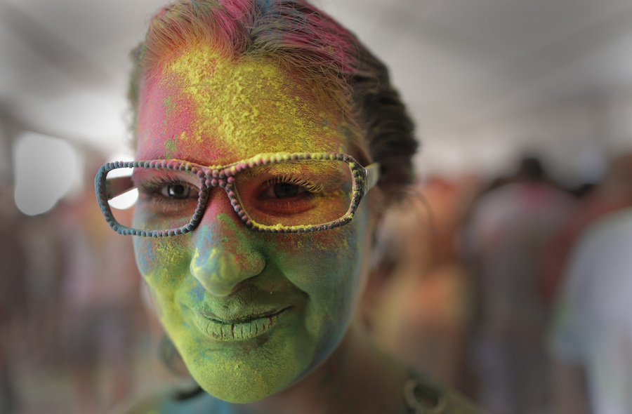 Индуистский фестиваль красок «Холи» в Южной Африке (9 фото)