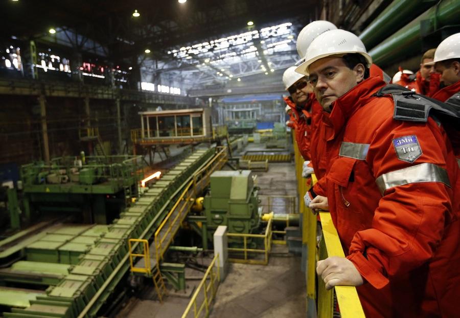 Рабочая поездка премьер-министра РФ Дмитрия Медведева в Новокузнецк (7 фото)