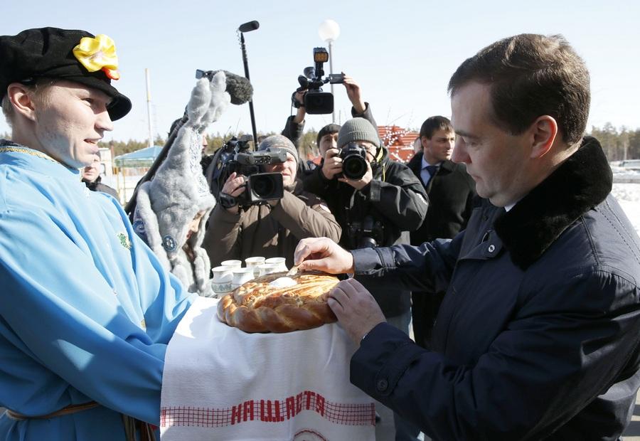 Дмитрий Медведев навестил центр отдыха и оздоровления детей «Сосновый бор» (8 фото)