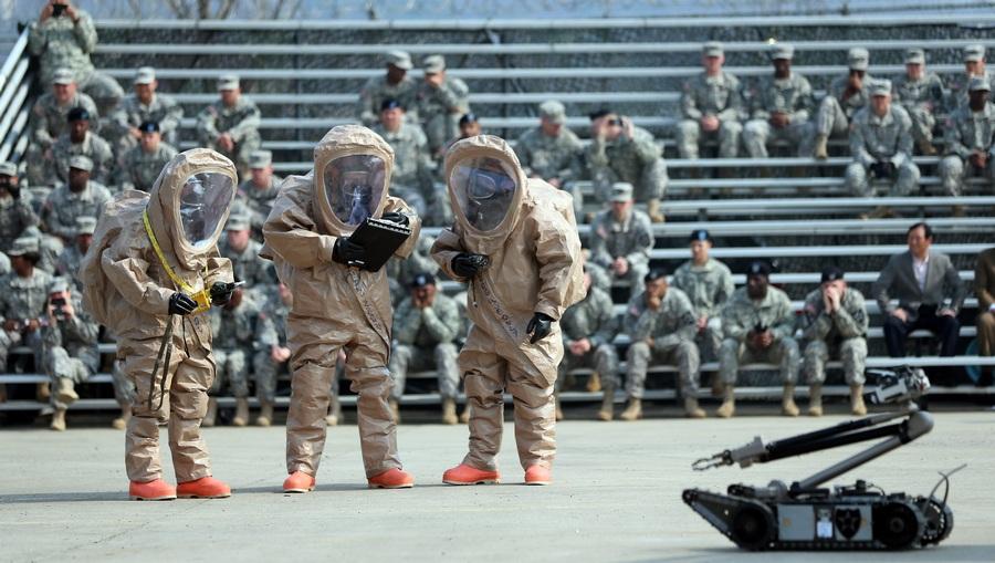 Американский батальон химической защиты прибыл в Южную Корею (3 фото)