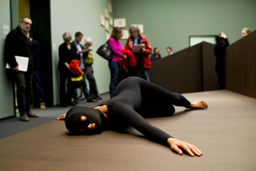 Выставка Келли Ниппер в музее «Кунстхаус» (7 фото)