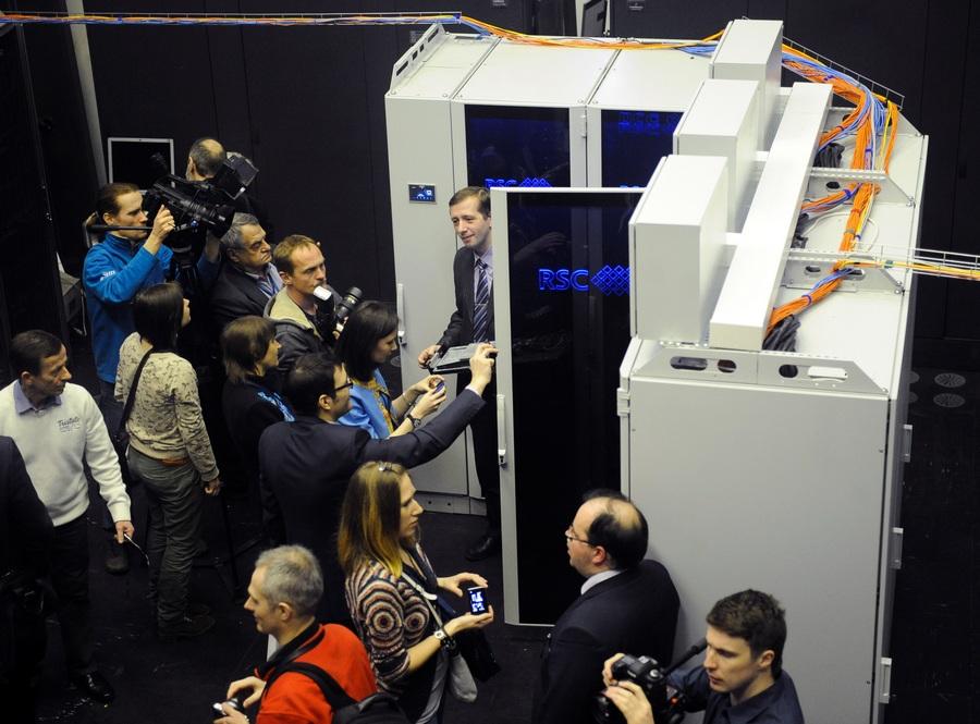 Презентация энергоэффективного суперкомпьютера МВС-10П в Москве (6 фото)