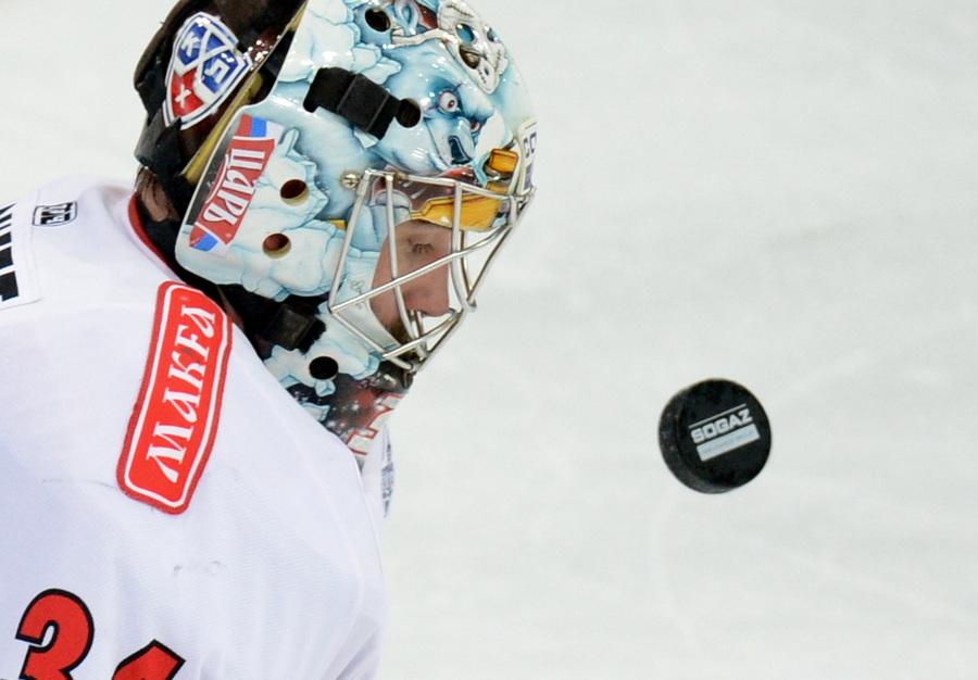 «Динамо» побеждает «Трактор» в первом матче финальной серии плей-офф (15 фото)