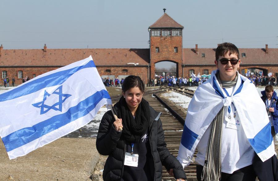 Традиционный «Марш жизни» состоялся в Освенциме (12 фото)