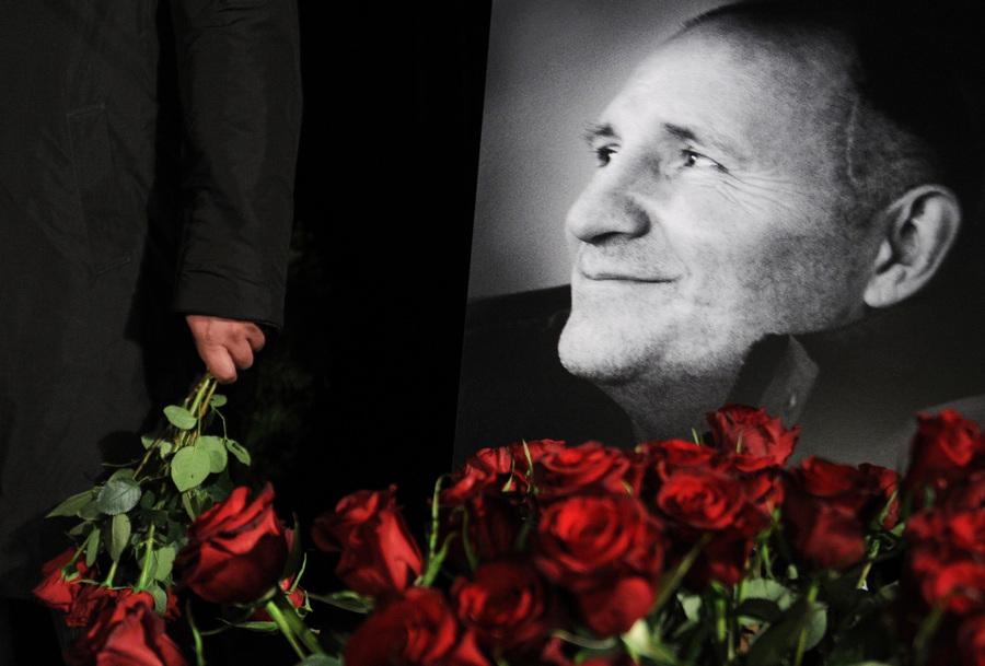 Прощание с журналистом Михаилом Бекетовым (7 фото)