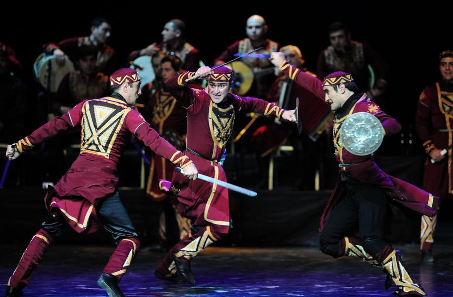 Концерт Государственного ансамбля песни и танца Грузии «Рустави» в Москве (9 фото)