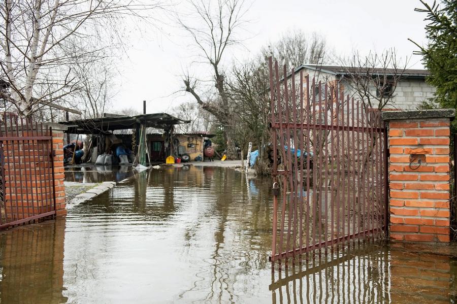 Наводнение в восточной Польше (6 фото)