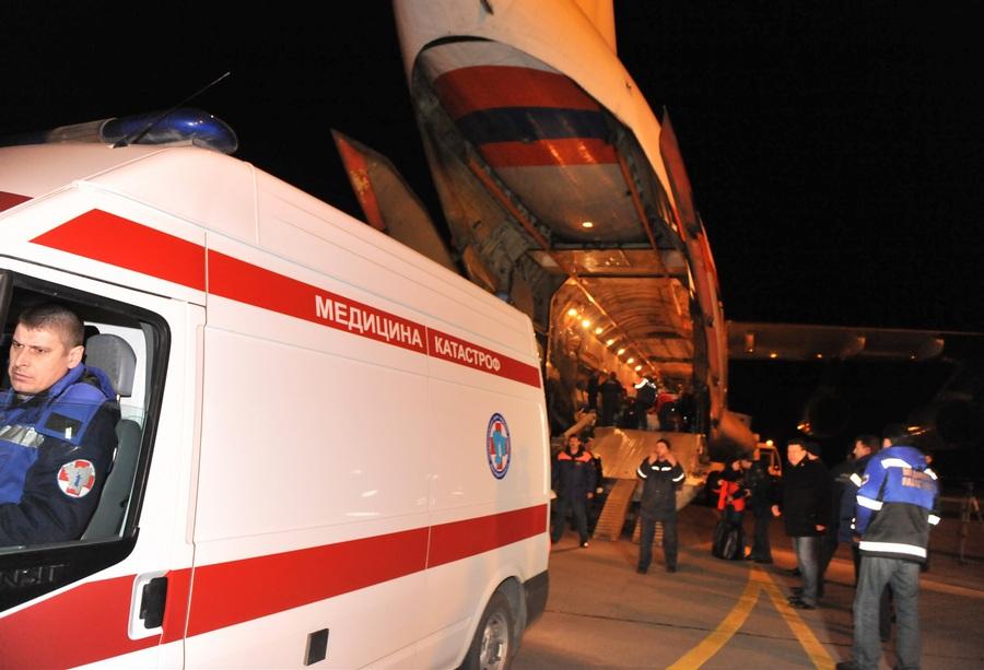 Тяжелораненых в бельгийском ДТП доставили на самолёте МЧС в Волгоград (8 фото)