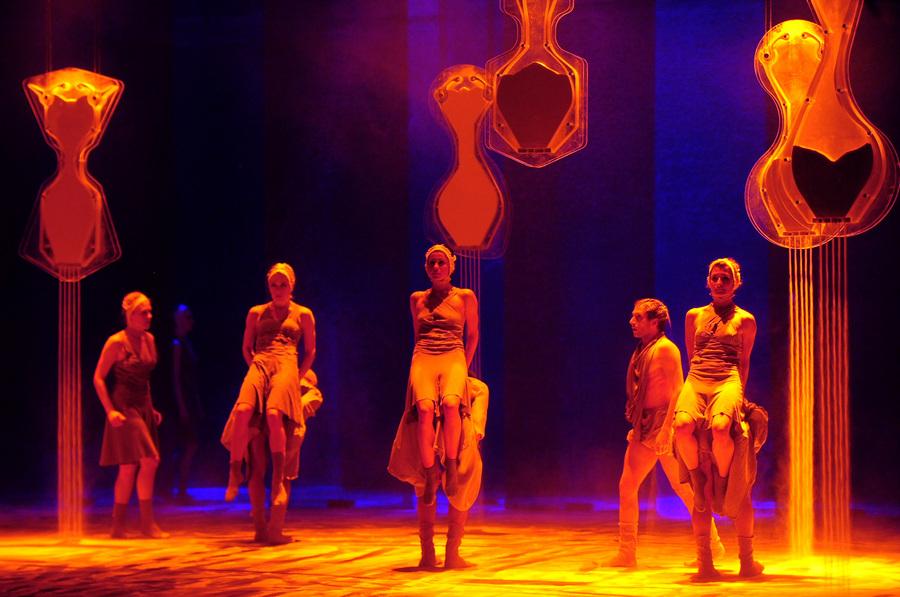 «Sepia» Екатеринбургского театра «Провинциальные танцы» в Москве (6 фото)