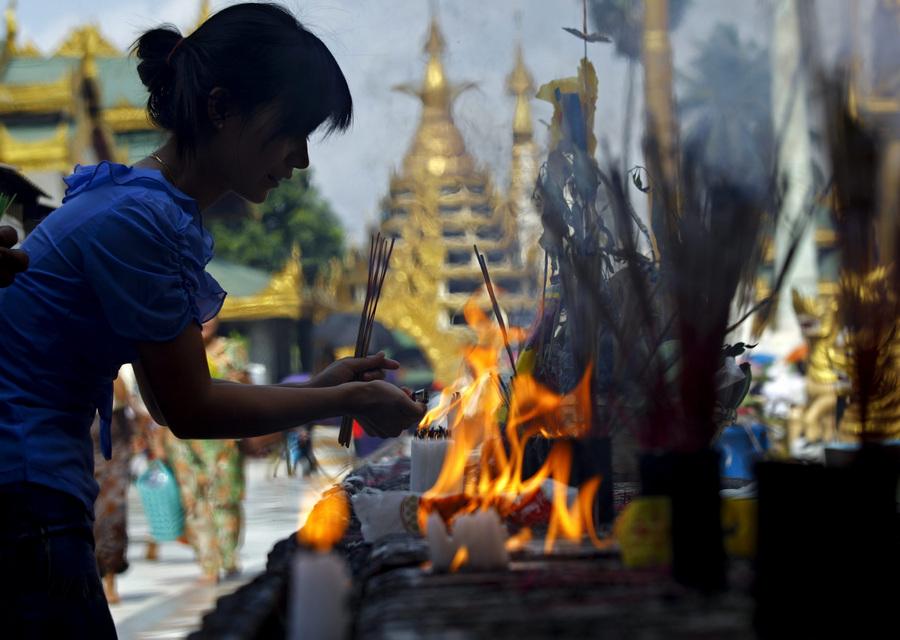 В Мьянме отметили Новый год по бирманскому календарю (10 фото)