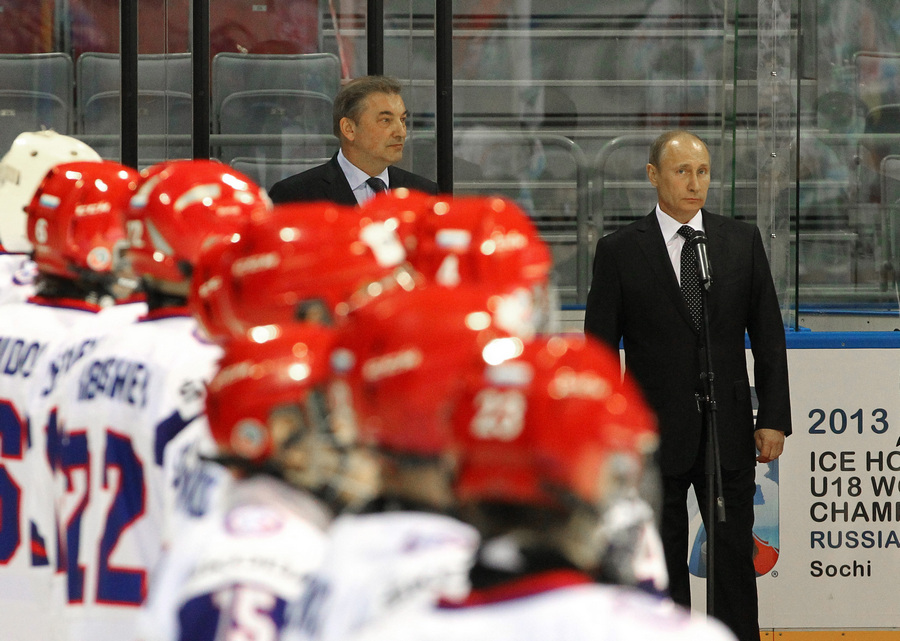 Владимир Путин принял участие в открытии чемпионата мира по хоккею среди юниоров (5 фото)
