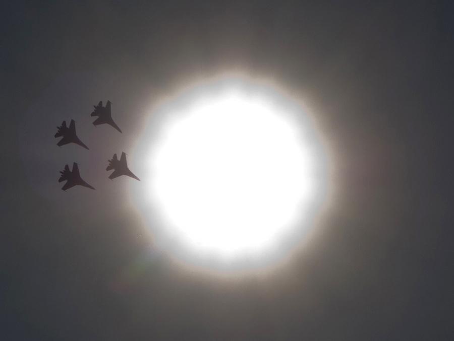 Авиашоу в честь 75-летия Центра показа авиационной техники и 22-летия «Русских витязей» (13 фото)