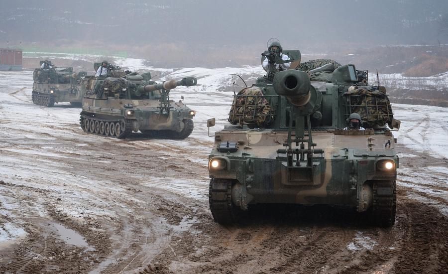 Военные учения южнокорейской армии в Пхаджу (3 фото)