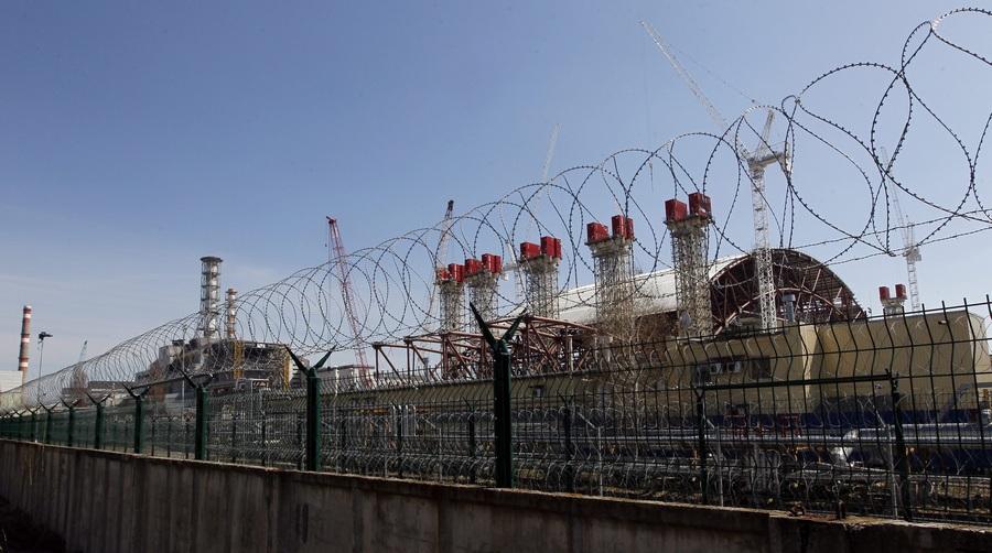 Чернобыльская АЭС накануне 27-й годовщины аварии (8 фото)