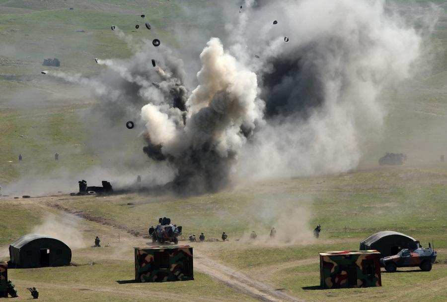 Военные учения «Стрела 013» близ Тбилиси (3 фото)