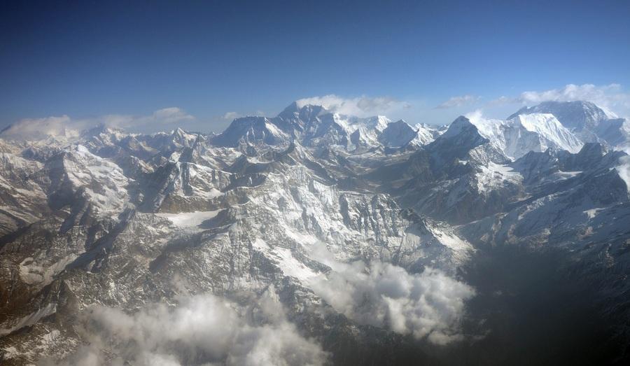 80-летие первого полёта над Эверестом (3 фото)