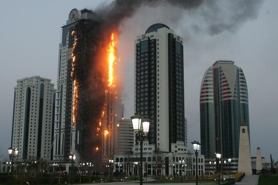Пожар в комплексе «Грозный-Сити» (5 фото)