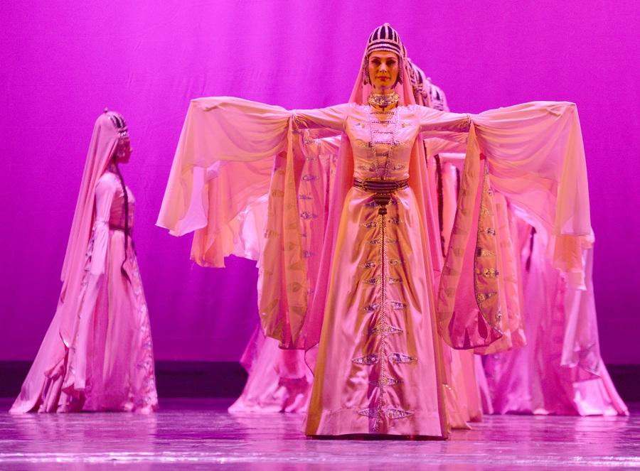 Концерт Национального грузинского балета «Сухишвили» в Санкт-Петербурге (18 фото)
