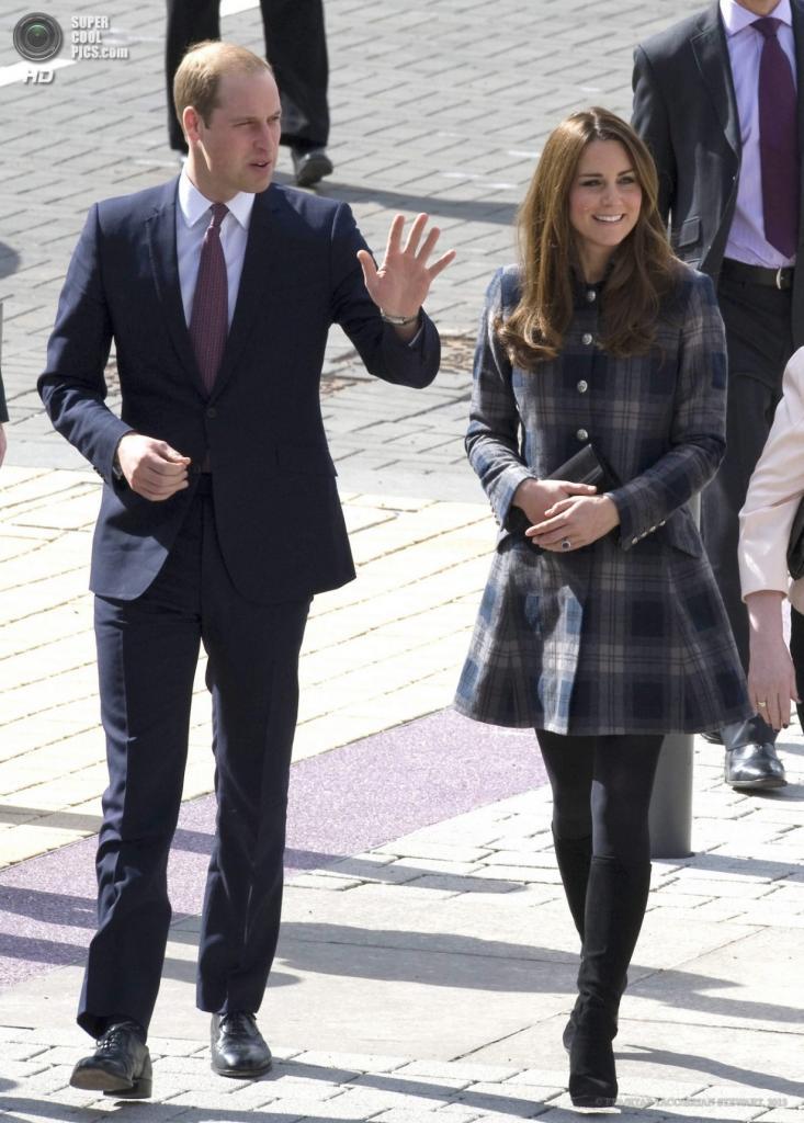 Шотландия. Глазго, 4 апреля. Принц Уильям и его жена Кэтрин в спортивном комплексе Emirates Arena. (EPA/ИТАР-ТАСС/BRIAN STEWART)