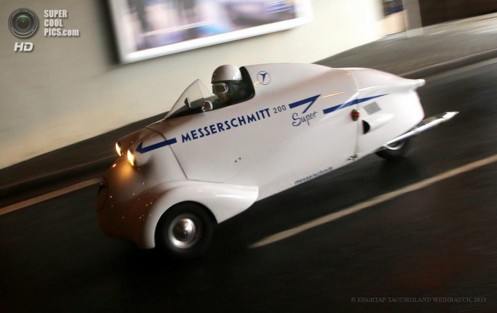 Германия. Эссен, Северный Рейн — Вестфалия. 10 апреля. Messerschmitt KR200 Super 1955 г.в. на 25-й выставке олдтаймеров Techno-Classica Essen. (EPA/ИТАР-ТАСС/ROLAND WEIHRAUCH)