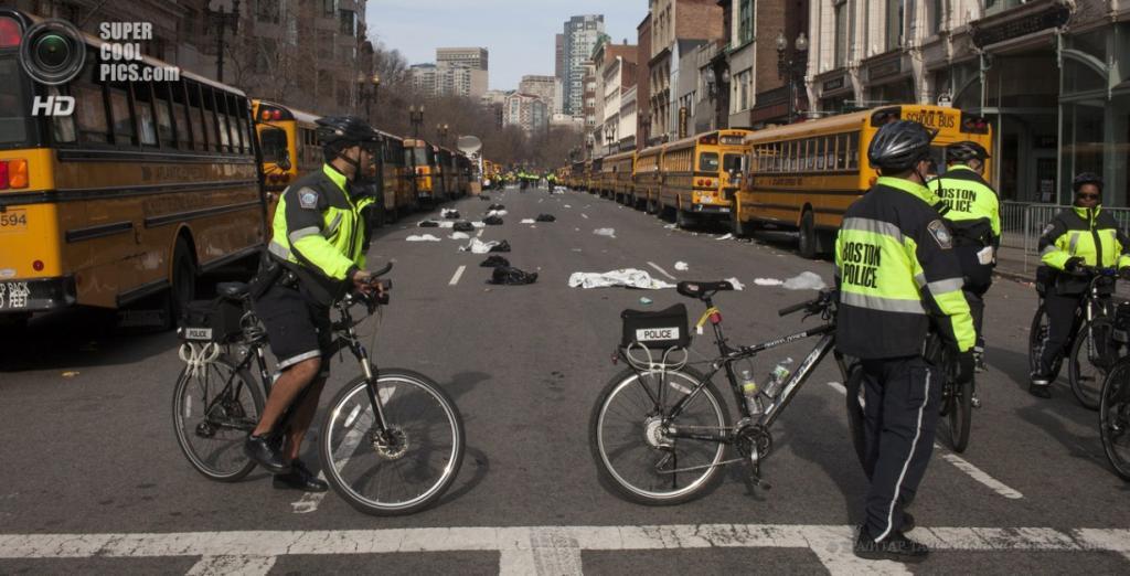 США. Бостон, Массачусетс. 15 апреля. Усиление мер безопасности после теракта. (EPA/ИТАР-ТАСС/DOMINIC CHAVEZ)