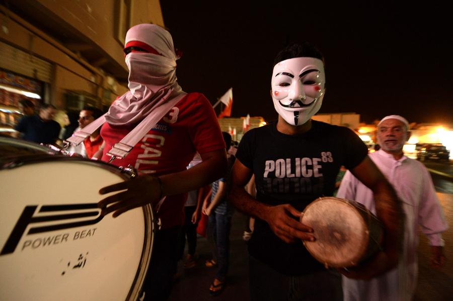 Акция протеста против проведения Гран-при «Формулы-1» в Бахрейне (6 фото)