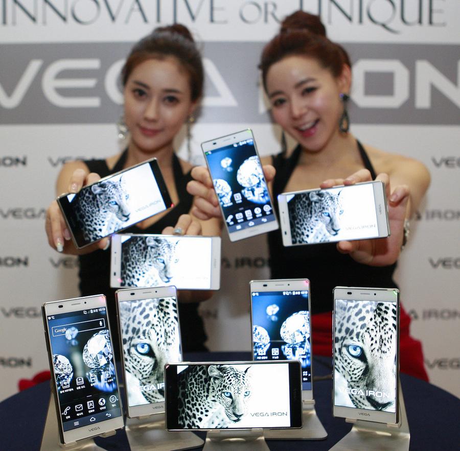 Презентация смартфона Vega Iron от Pantech (3 фото)