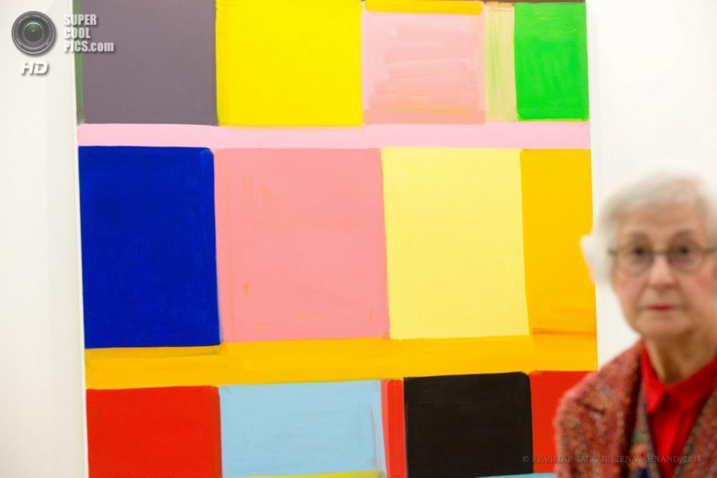 Бельгия. Брюссель. 18 апреля. Выставка работ Уитни Стэнли. (EPA/ИТАР-ТАСС/JULIEN WARNAND)